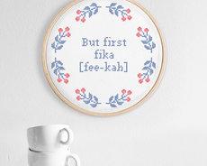 Broderikit Aida – But first; fika