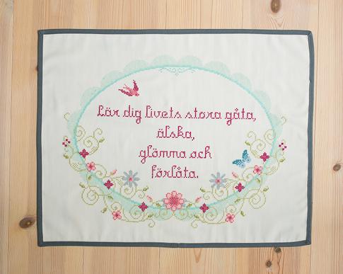 Livets gåta / Vintage spring - Embroidery kit Aida